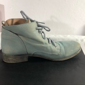Steve Madden, baby blue, lace up boot, Sz 9